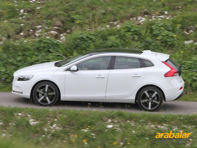 2016 Volvo V40 2.0 T5 R-Design Plus